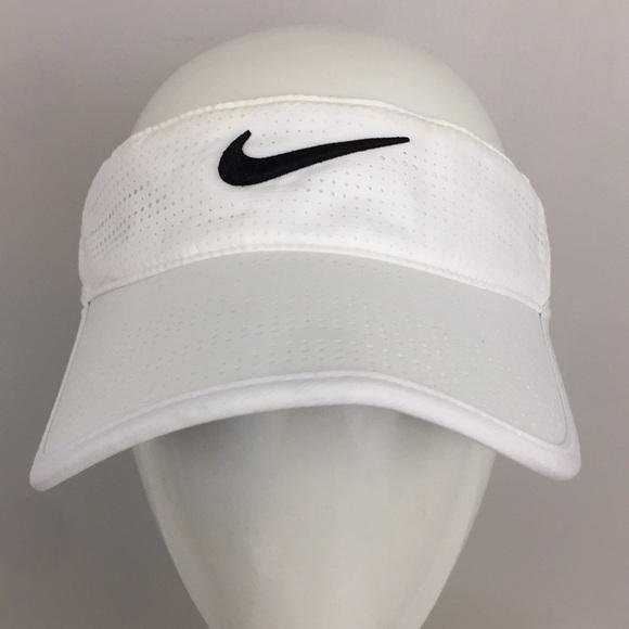 48edcfd0fff55 Nike Golf Women's Visor White Black. M_5ce80705d40008d060f76442